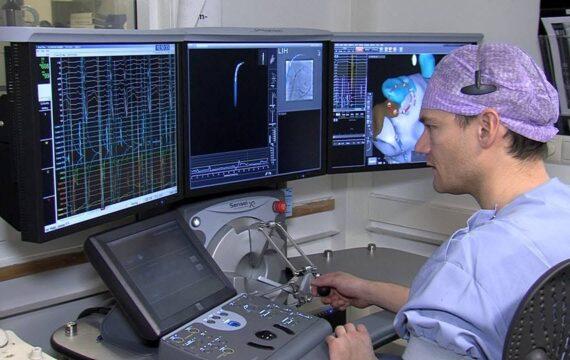 Maastricht UMC+ voert hartkatheterisatie uit met robot