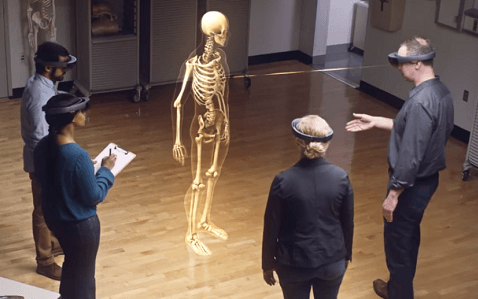 VR: Microsoft test HMD voor educatieve doeleinden