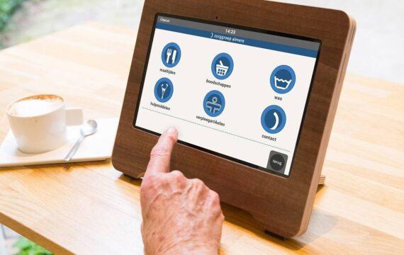 Zorgorganisaties zetten Compaan-tablet in voor verbetering ouderenzorg