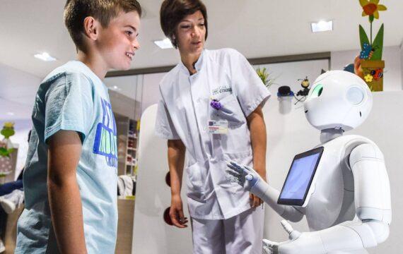 Zorgmedewerkers vrezen verlies baan door digitalisering, robotisering