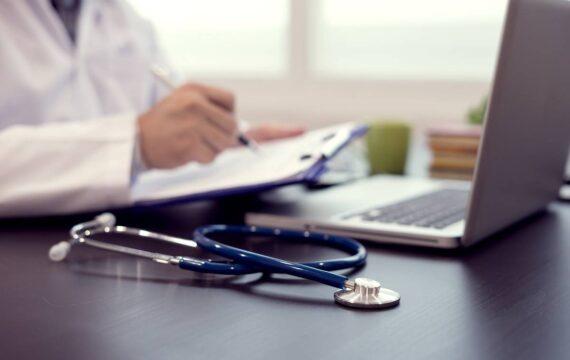 Veel cliënten en medewerkers positief over beeldschermzorg