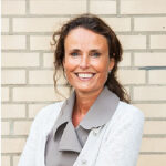 Dr. Sabine  Pinedo