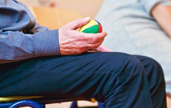 Trimbos komt met vernieuwde e-learning verzorgers over dementie