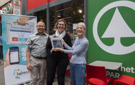 BproCare, SPAR willen ouderen ondersteunen met tablet