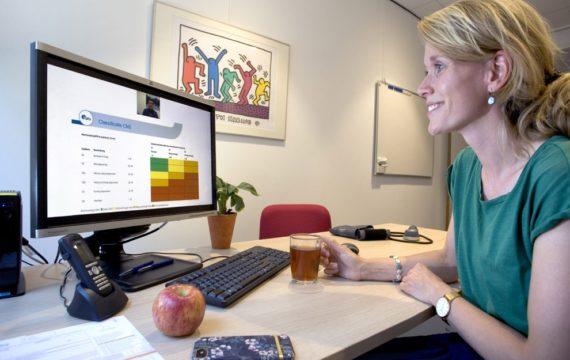 Thuis leren op maat en op passende tijden Saltro Academie, online leerplatform voor zorgverleners