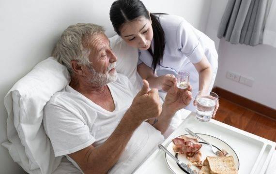 Andere aanpak nodig om zorgpersoneel vast te houden