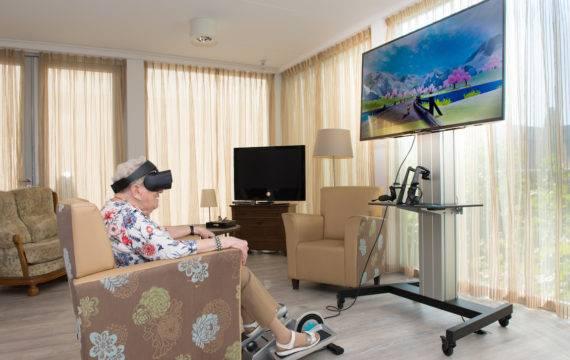 VR helpt Haagse ouderen beter bewegen