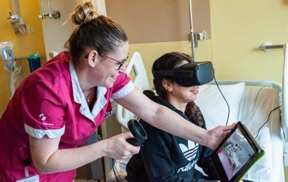 Kinderen met VR-rondleiding voorbereiden op operatie