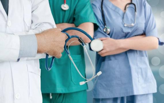 Kort zorgnieuws: Beeldbellen SJG en BovenIJ; Coronahulp zwangeren; IKNL data, en meer