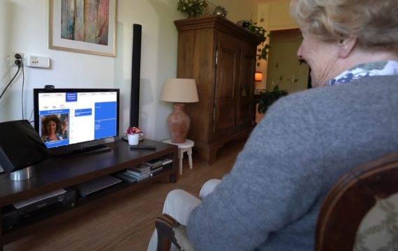 Met Femly tv wordt beeldbellen kinderspel voor ouderen