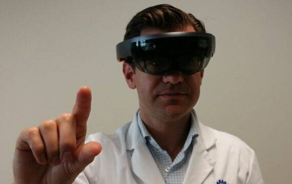 Veiligere en preciezere hersenoperaties met hologram