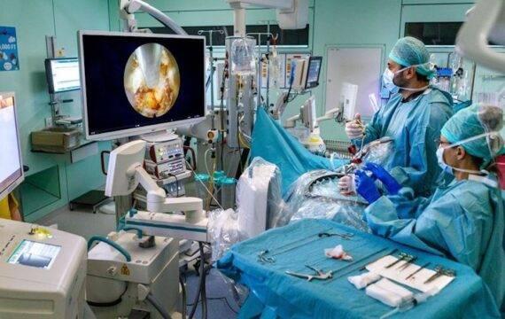 Innovatieve endoscopische operaties aan wervelkolom