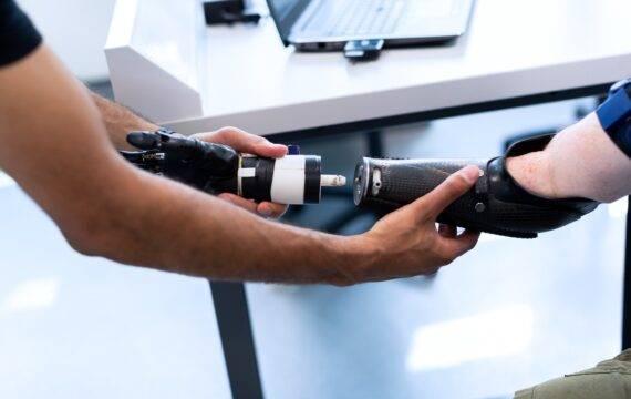 Geavanceerde handprothese trainen met serious gaming