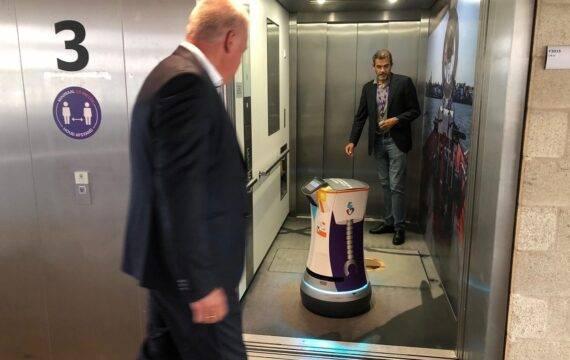 Transportrobot Robin neemt nu zelf de lift in ASZ